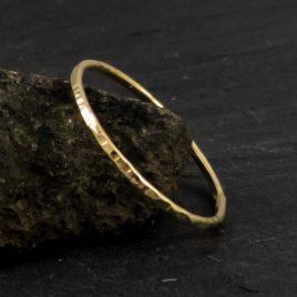 dünner Ring, 333 Gold, 8 CT, gehämmert