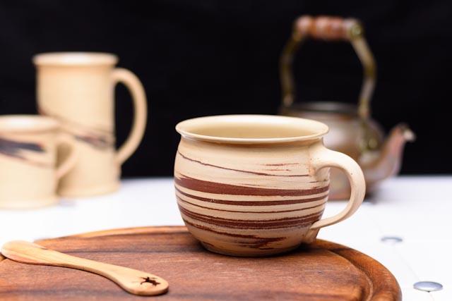 gro e marmorierte tasse bauchige form 500 ml tanos keramik gbr. Black Bedroom Furniture Sets. Home Design Ideas